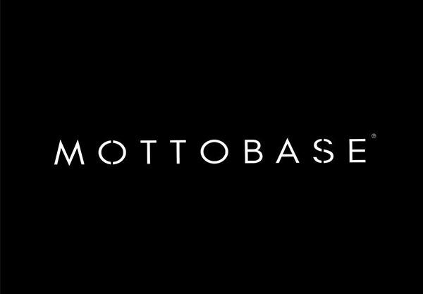 Motto Base - Sia Moore